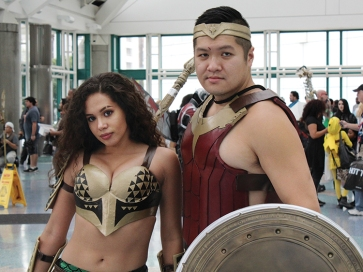 aquaman-wonder-woman-la-comic-con-2016-cosplayers